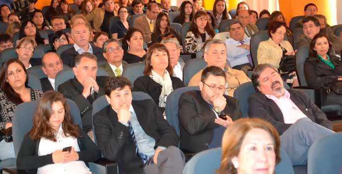 Diálogo reforma educacional en Liceo María Luisa Bombal