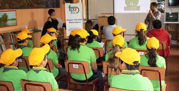 Taller cuidado de la naturaleza en escuela de Chancón