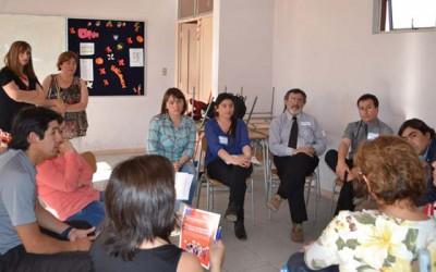 Escuelas inclusivas y horizontales proponen en diálogo de Rengo