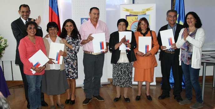 Familias de Colchagua reciben títulos de dominio