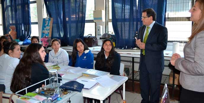 Seremi de Educación destina recursos para hermosear liceo Eduardo Charme