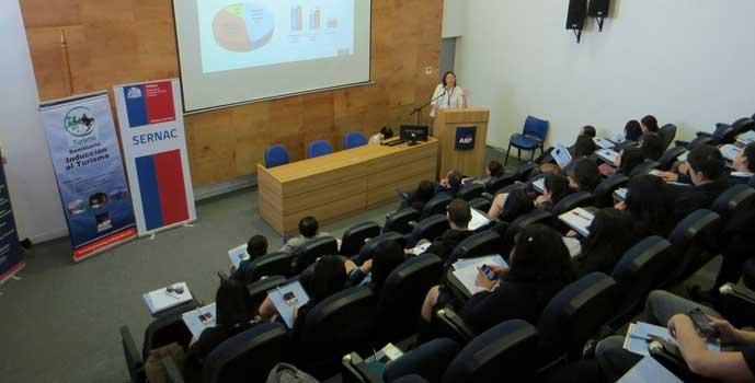 Sernac participa en seminario de turismo