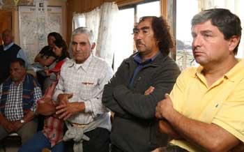 Intendenta se reune con comunidad de Puertecillo