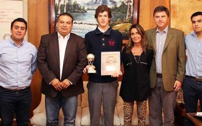 Alcalde san fernando homenaje campeon de polo