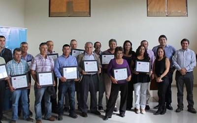 Sence certifica a nuevos tractoristas de Pumanque