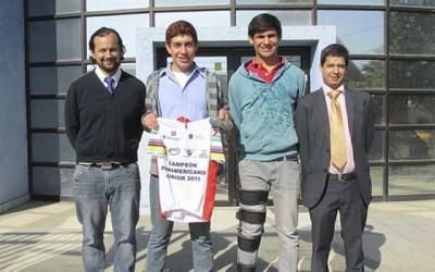 homenajean a destacados ciclistas regionales