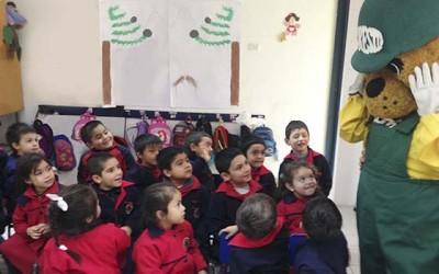 Conaf dicta charlas de educacion ambiental en la region