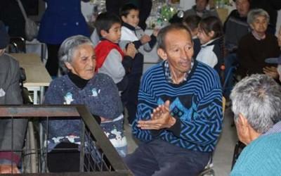 parvulos de Portezuelo-Larmahue visitan ancianos