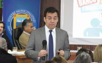 San Vicente ministro de economia charla economia domestica