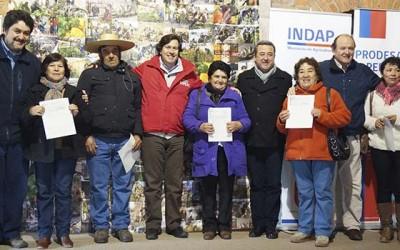 Indap Agricultores de Peralillo reciben Bono