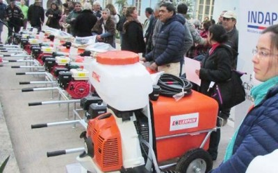 Indap entrega maquinaria en Peumo