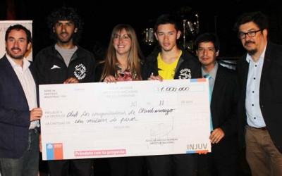 Injuv entrega cheques fondo Incuba en San Fernando