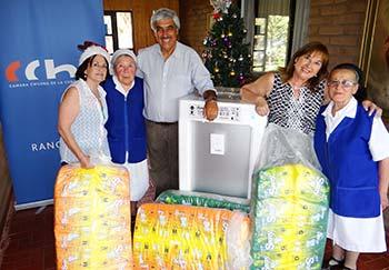 CChC Rancagua lleva la Navidad a adultos mayores de Hogar San Jose