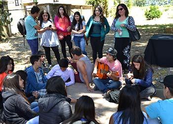Lideres estudiantiles abordan participacion democracia