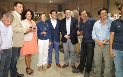 Enologos por un dia Turistas podrán elaborar su propio vino