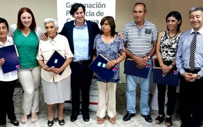 Entregan cheques del fondo social Presidente de la Republica a organizaciones de Colchagua