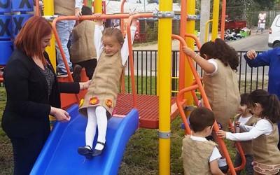 Inauguran de plaza de Juegos en la comuna de Santa Cruz