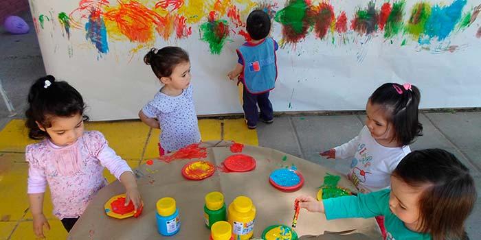 Inician temporada de jardines infantiles de verano en la for Postulacion jardin junji 2016