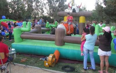Vecinos de Palmilla disfrutan de entretenidos programas familiares y culturales
