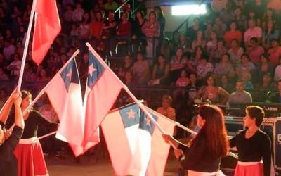 Multitudinaria conmemoracion del dia de la mujer en Palmilla