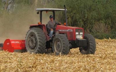 Jornada de capacitación sobre manejo de rastrojo en maíz a profesionales de Conaf