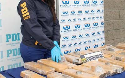 PDI Incautan a colombianos mas de 92 kilos de marihuana prensada