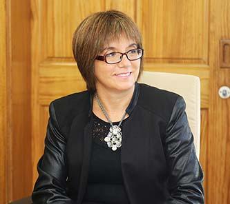 Teresa Nuñez intendenta(s)