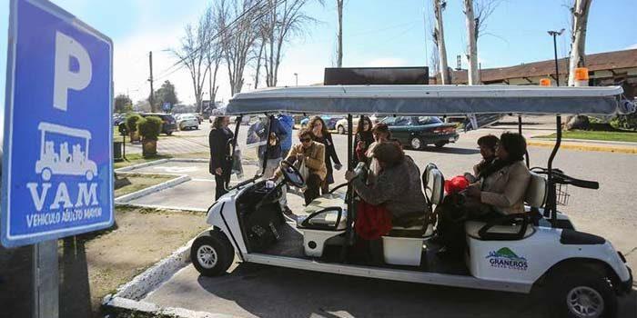 Adultos mayores tienen transporte gratuito en Graneros | La Noticia ...