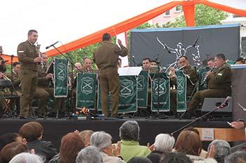 Adultos mayores de Rancagua celebran su día junto al Orfeón Nacional de Carabineros