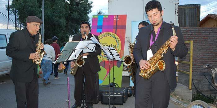 Arte y música invaden las calles de Requínoa y Codegua