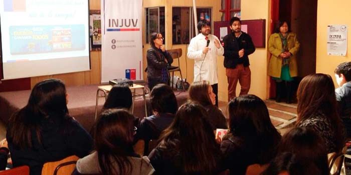 Injuv OHiggins realiza charla de energía a estudiantes de Pichilemu