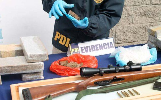 PDI Incautan fusil de guerra y más de 14 kilos de marihuana en Rancagua