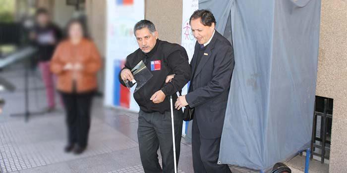 Personas con discapacidad conocen voto asistido para Elecciones Municipales 2016