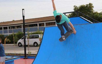Jóvenes celebran nuevo skatepark en Peumo