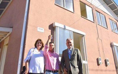 Minvu entrega 179 viviendas de conjunto Viñedos de la Cruz