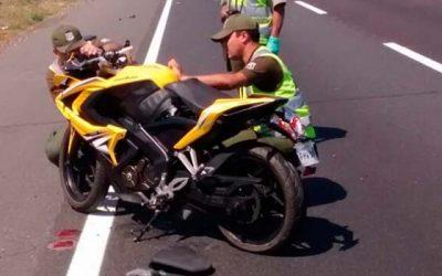 Carabineros Motocicleta y camioneta protagonizan accidente en Rengo