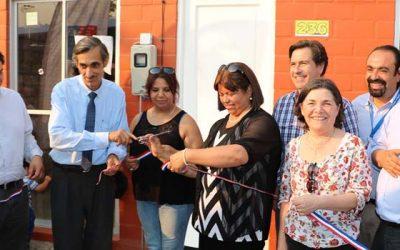 Ministra Saball entrega llaves de sus casas a 56 familias de Peralillo