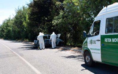carabineros En Rosario vehículo se incendió luego de chocar