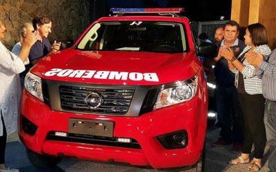 Entregan a bomberos de palmilla dos camionetas para uso de sus compañías