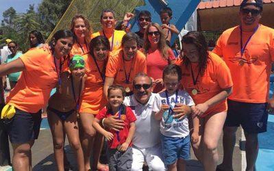 Más de cien competidores participaron en torneo de natación de Machalí