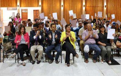 80 familias de Cachapoal reciben subsidio para sectores medios