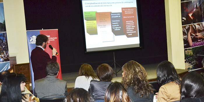 Abordan aportes de la investigación en los aprendizajes en contexto escolares vulnerables