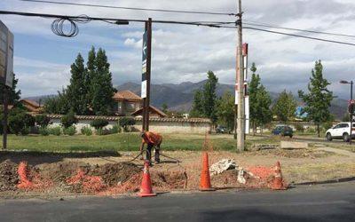 Comienzan trabajos de instalación de semáforo para sector El Polo