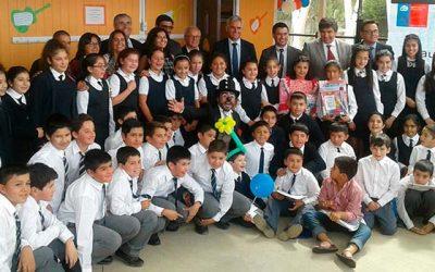 Con reconocimiento a Bomberos, inauguran año escolar 2017 en Pumanque