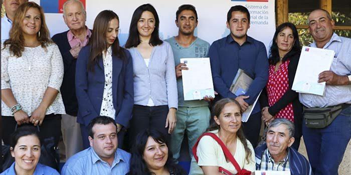 Familias de Cardenal Caro y Colchagua felices con subsidios de vivienda