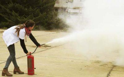 Funcionarios del Hospital de Pichilemu se capacitan en prevención de incendios