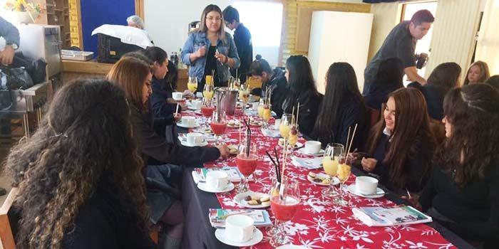 Injuv OHiggins realiza desayuno público sobre el rol de la mujer en la construcción del país