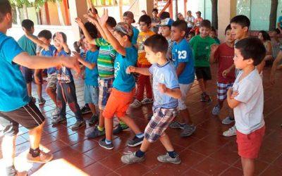 Más de tres mil niños de la región disfrutan unas vacaciones activas gracias a las EDI