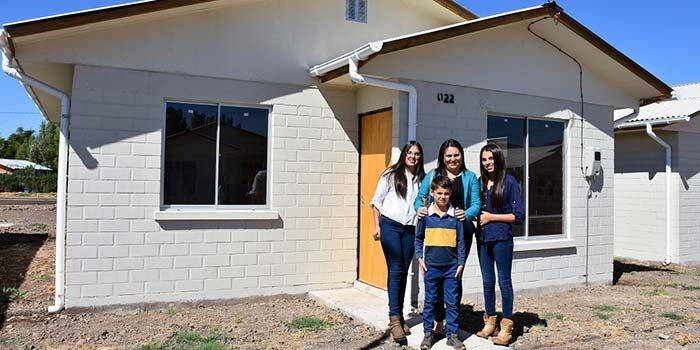 Minvu entrega viviendas a 41 familias de San Vicente