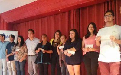 Municipio de Machalí entrega becas a estudiantes universitarios de la comuna